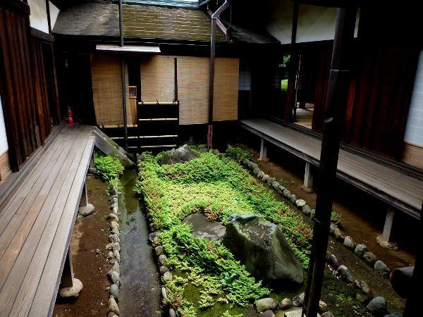 gartengestaltung mit steinen japanischer garten wasser