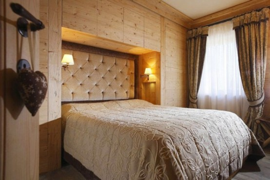 hölzerne inneneinrichtung haus naturholz ausstattung bett schlafzimmer