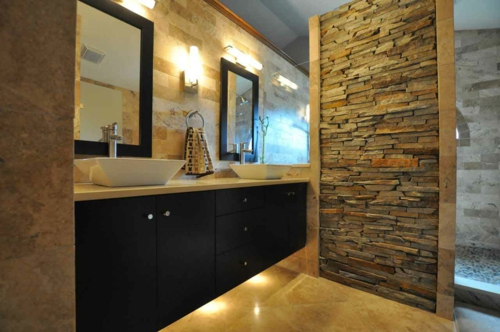 Cooles Badezimmer Design Stein Rau Wand