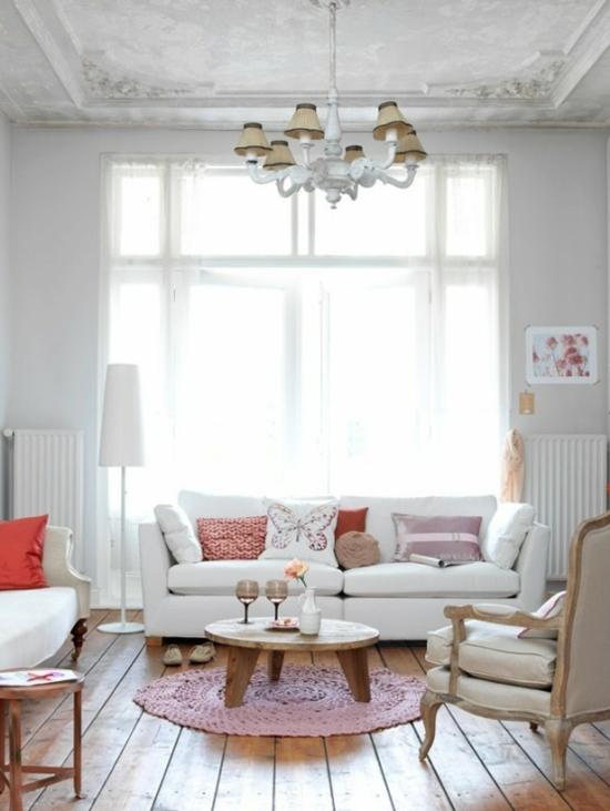 interior design ideen weiblich wohnzimmer pastelfarben sofa kissen