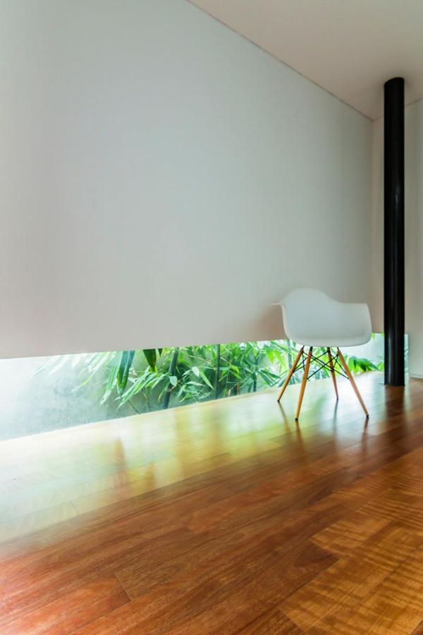 kasten f rmiges haus design lumber von atelier riri in indonesien. Black Bedroom Furniture Sets. Home Design Ideas