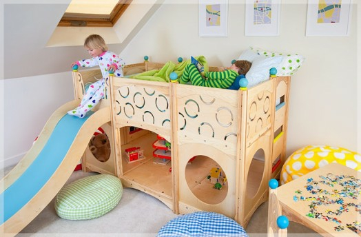 kinderzimmer gestalten coole spielbetten f r kleinkinder. Black Bedroom Furniture Sets. Home Design Ideas