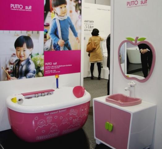 Kinderzimmer gestalten das neue rosa kinder badezimmer for Neues zimmer gestalten