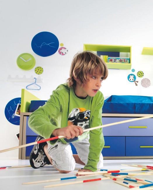 kinderzimmer möbel kibuc junge zimmer blau uhr spiel