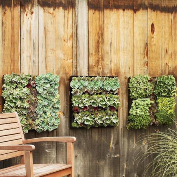 pin kleiner balkon mit pflanzen dekorieren der gr ne tisch. Black Bedroom Furniture Sets. Home Design Ideas