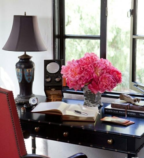 mädchenhaft büro haus blumenstrauß rosa frisch gemütlich