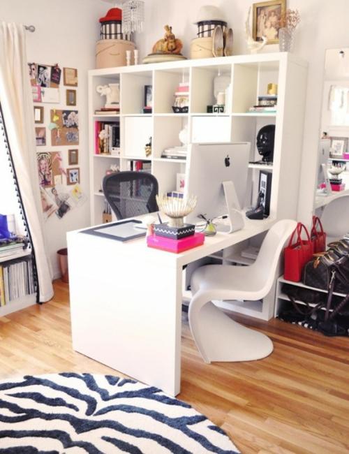 mädchenhaft büro haus wand regale eingebaut bücher modern