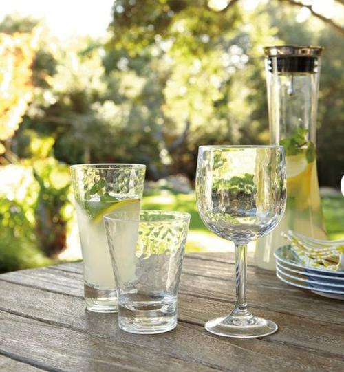 moderne coole garten deko idee acryl glas frisch getränke party