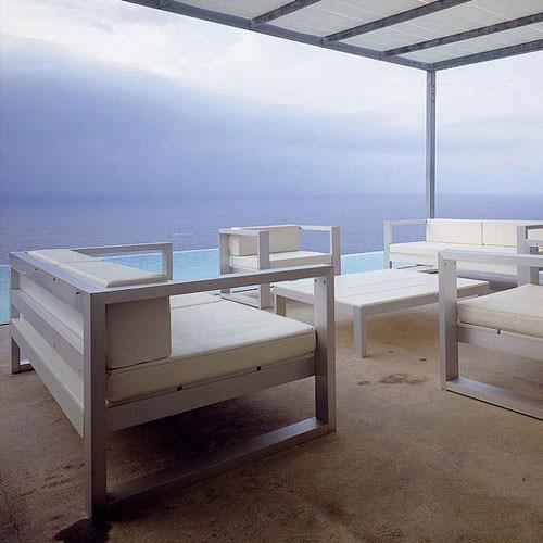 moderne dachterrasse gestalten lounge weiß sand pool