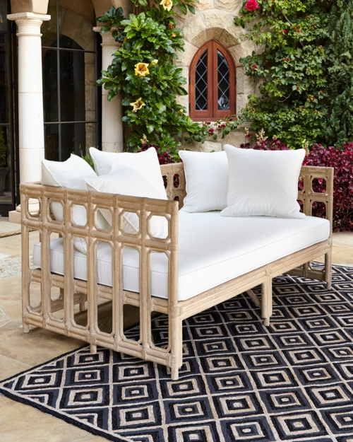 moderne coole garten m bel von horchow f r den patio. Black Bedroom Furniture Sets. Home Design Ideas