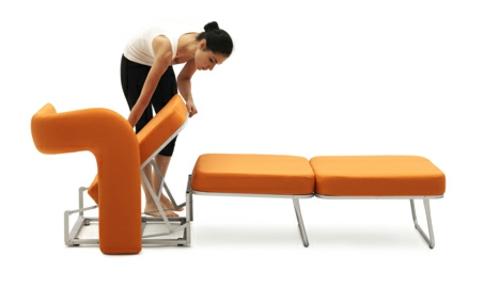 stuhl in einzelbett umgewandelt ausziehbett idee
