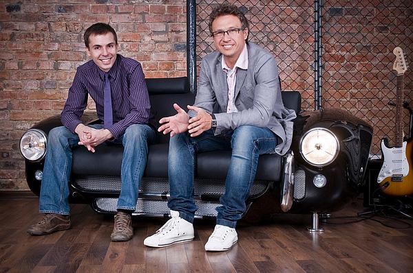 retro auto möbel designs sofa leder lackiert designer