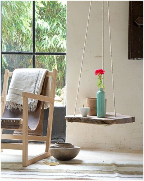 schöne blumen details hängen tisch lehnstuhl holz