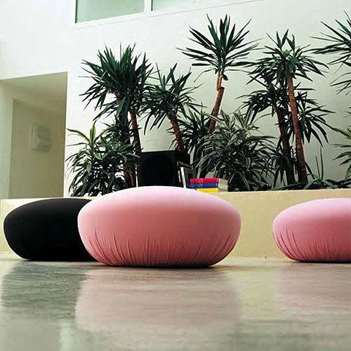 schöne Puff Designs weich gepolstert rosa schwarz exotisch
