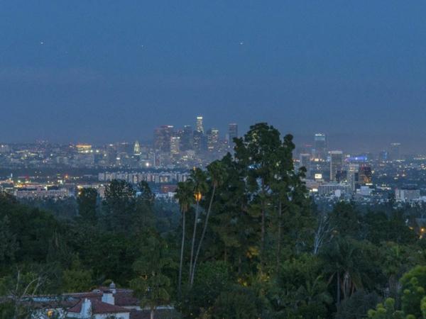 Schicke Residenz in Kalifornien aussicht stadt nachts