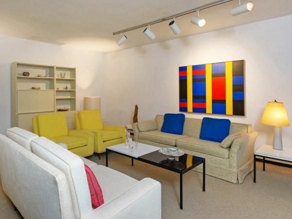 Schicke Residenz in Kalifornien hell farben akzente wohnzimmer sofa