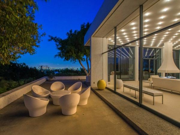 Schicke Residenz in Kalifornien sitzecke terrasse