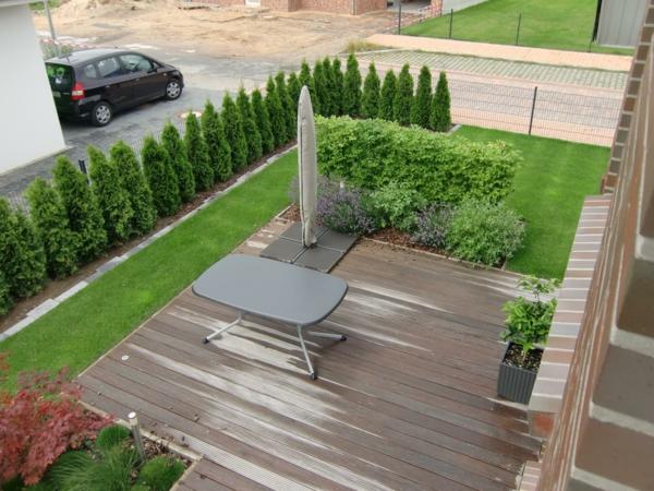 sichtschutz für terrasse möbel terrasse holzboden bäume klein