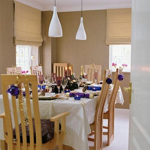 stilvolle design ideen esszimmer holz stuhl weinglas weiß tisch decke