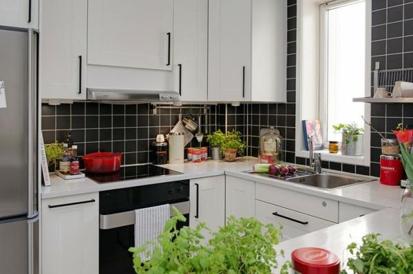 trendy apartment kompakt weiß schwarz küche