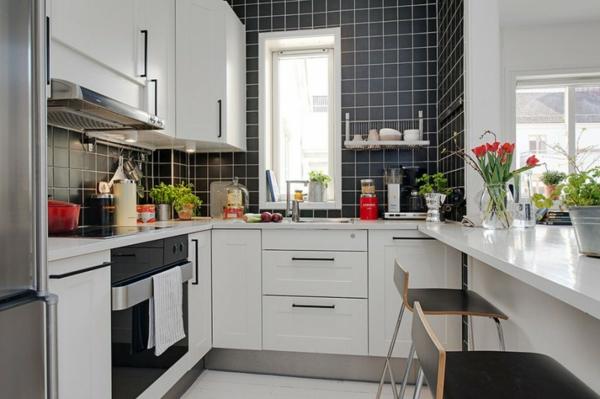 cooles apartment design unter ober schrank weiß küche schwarz
