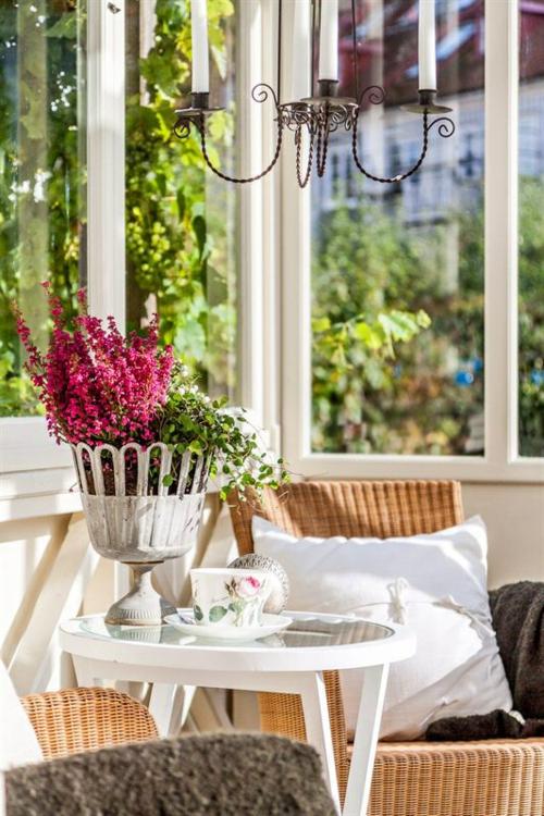 vintage veranda aus glas holz tisch oberfläche glas