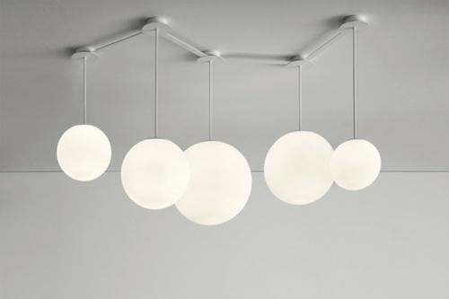 Weisse Kugel Lampen Verschieden Aufhangen Konfiguration
