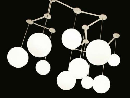 weiße kugel lampen in unterschiedlicher höhe aufgehängt paoli