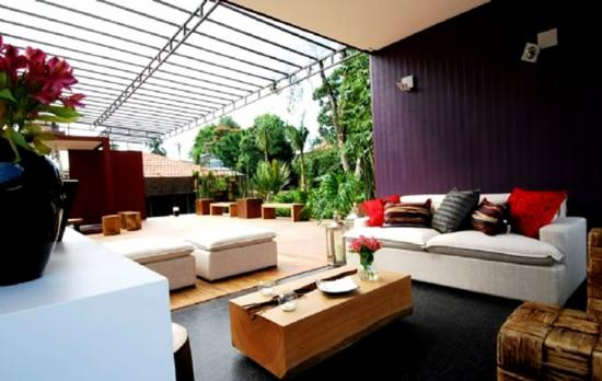 Wohnbereich Im Garten Gestalten Tisch Holz überdachung