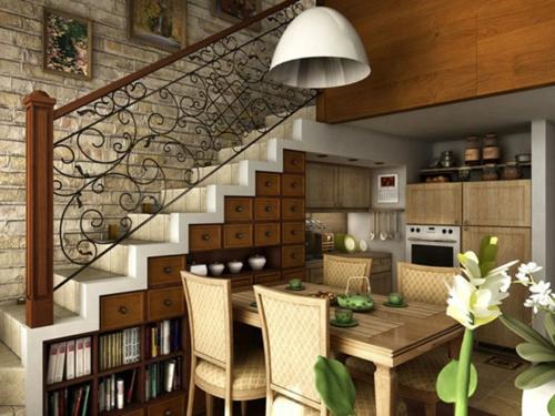 Coole platzsparende Lagerung Ideen im Treppenhausküchenbereich