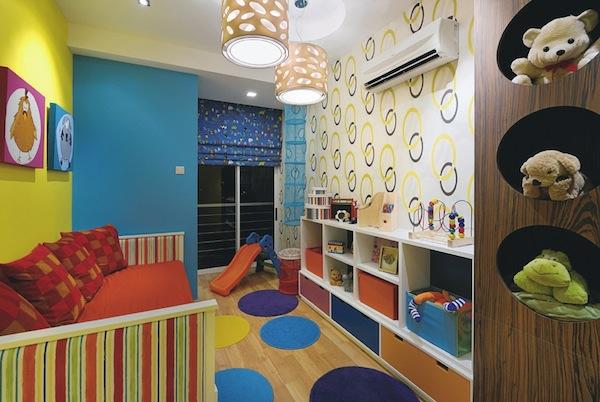 das kinderzimmer interior mit leuchtenden farben erfrischen. Black Bedroom Furniture Sets. Home Design Ideas