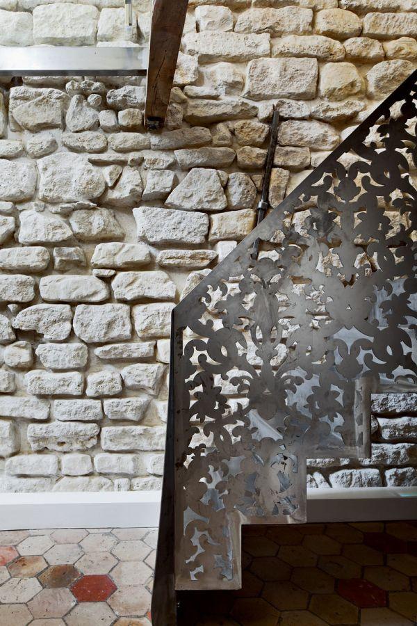 Renovierte Maisonette Wohnung Herzen Paris steinwände treppe