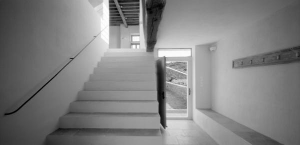 Antikes designer haus mit moderner einrichtung von myrto for Haus einrichtung