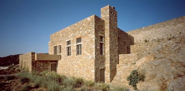antikes haus design idee rustikal stein massiv stabil