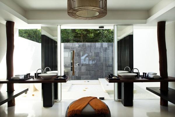 badezimmer interior design ideen glaswände badewanne modern