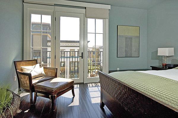 blaue farbpalette im lebhaften interior design schlafzimmer