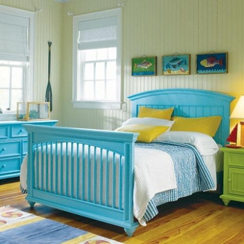 schlafzimmer möbel doppelbett kopfteil holz meerblau