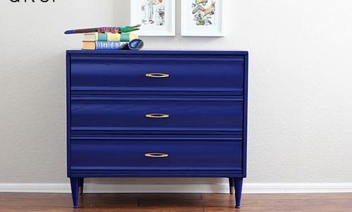 blaue schlafzimmer möbel dunkle nuancen kommode