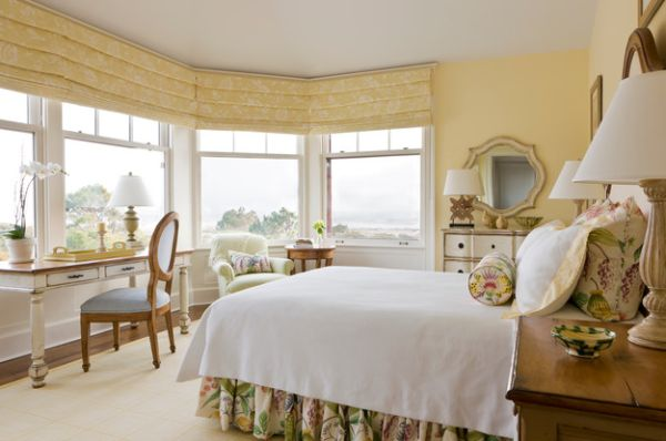 Schlafzimmer Inspiration Weis : Bedroom Design with Roman Shade