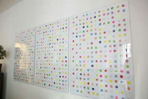 coole wand dekoration ideen bunt punkten - Wand Gestalten Mit Stoff