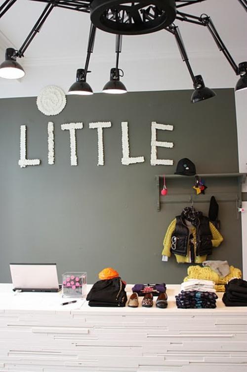Deko Ideen Mit Worten Grau Wand Design Flur