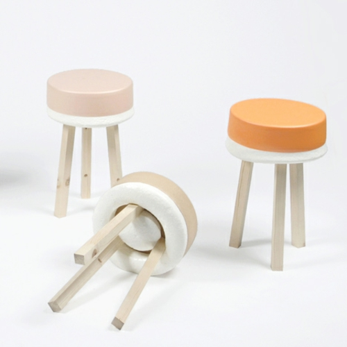 designer möbel kollektion geometrisch farben hocker holz