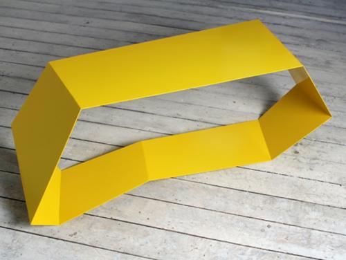 designer möbel kollektion geometrisch farben nebentisch