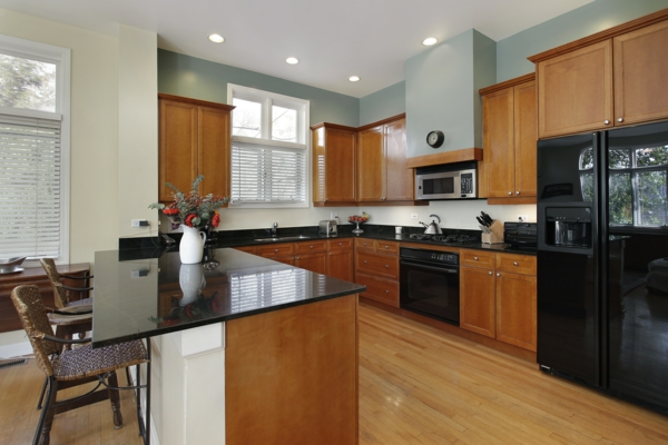die alte küche renovieren metall stühle insel eingebaute küchenschrank