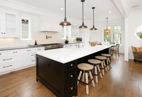 die alte küche renovieren holz bodenbelag weiß oberflächen