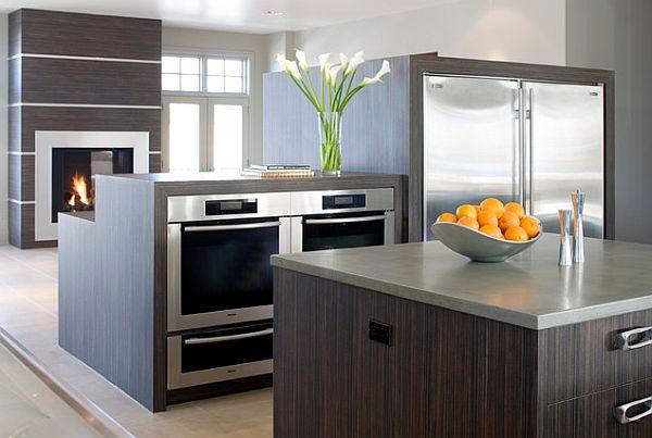 die küche preisgünstig renovieren holz oberflächen einbaukamin