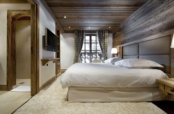 schönes rustikales berghütte design schlafzimmer teppich bett
