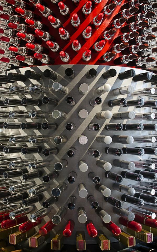 Enormer Designer Lippenstift aus lippenstifthülsen beitrag recycelt