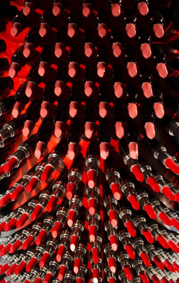 designer lippenstift aus lippenstifthülsen recycelt plastisch