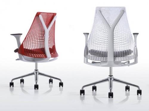 ergonomische nachhaltige Schreibtisch Stühle rot weiß rollen gitter rücklehne
